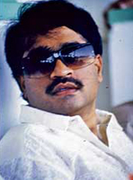 Does Dawood live in the house of a Pakistani diplomat