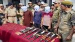 arms-transporting-kashmir